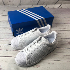 Youth size 6, ADIDAS SUPERSTAR Bounce 3
